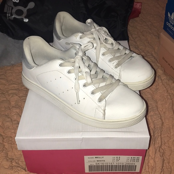 JustFab Shoes - White sneakers